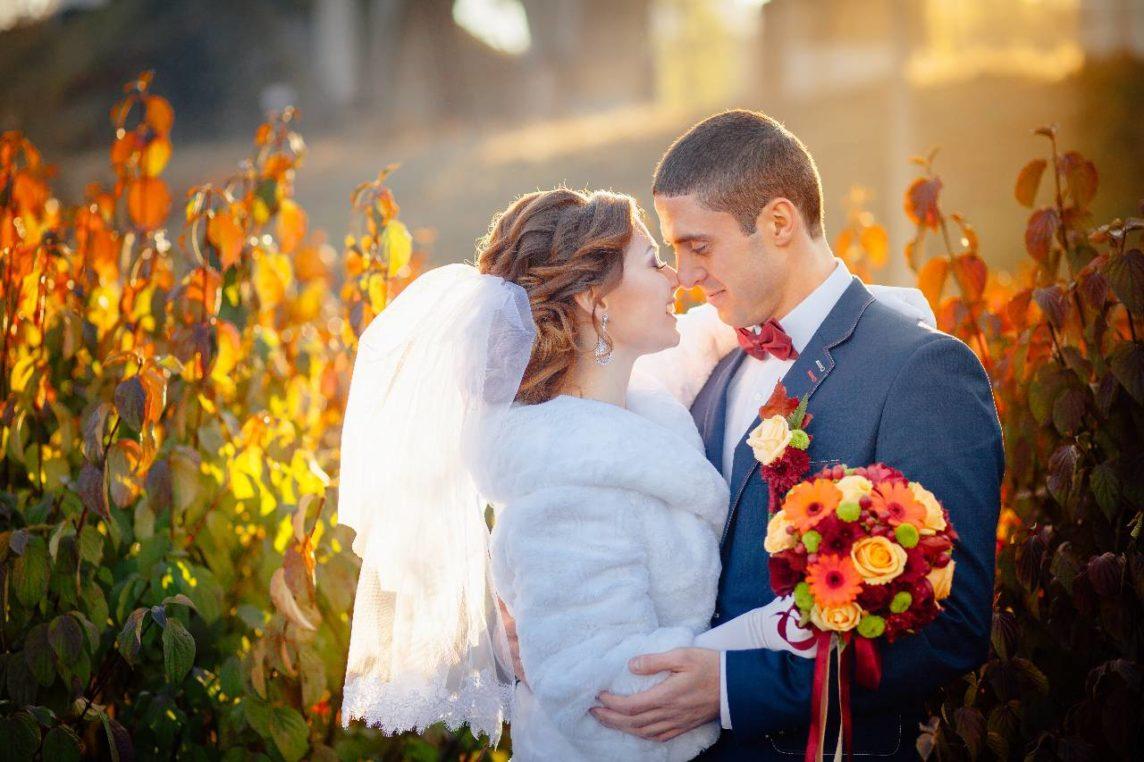 Stylizacja na wesele jesienią – sprawdź nasze propozycje!